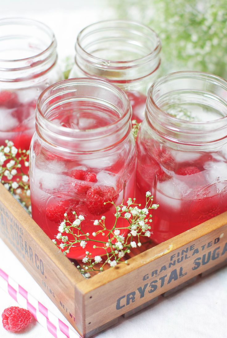 raspberry cosmopolitain cocktail.