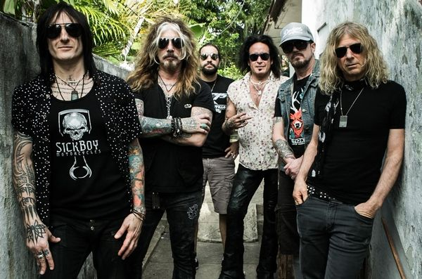 The Dead Daisies - With You and I: