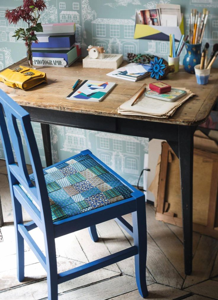 Rivestire una sedia con il riciclo delle cravatte   Chair lining made with upcycling men's ties • #tie #ties #DIY #recycle