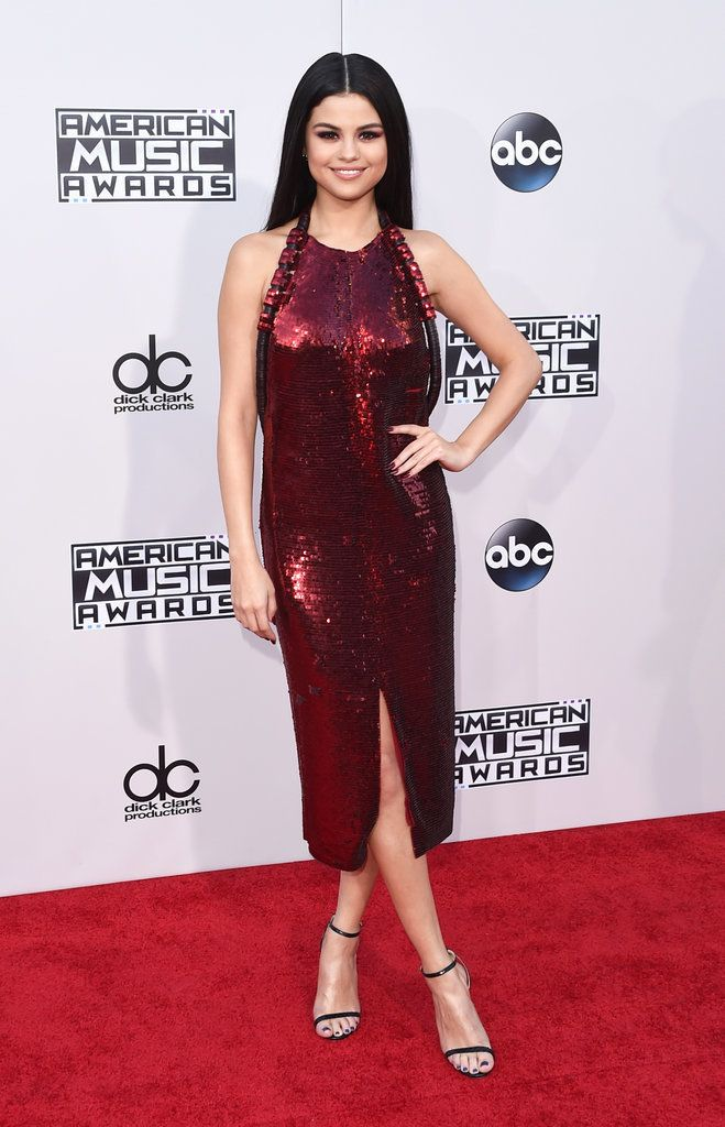 Vote For Your Favorite Look From the 2015 American Music Awards: Once we're done staring at all the looks that make their way down the red carpet at an award show, it's time to tackle the hard part: voting for our best dressed pick.
