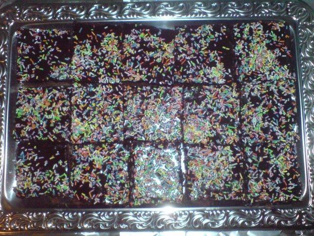 Das perfekte zergeht auf der zunge-schokoladenkuchen-Rezept mit einfacher Schritt-für-Schritt-Anleitung: teig: