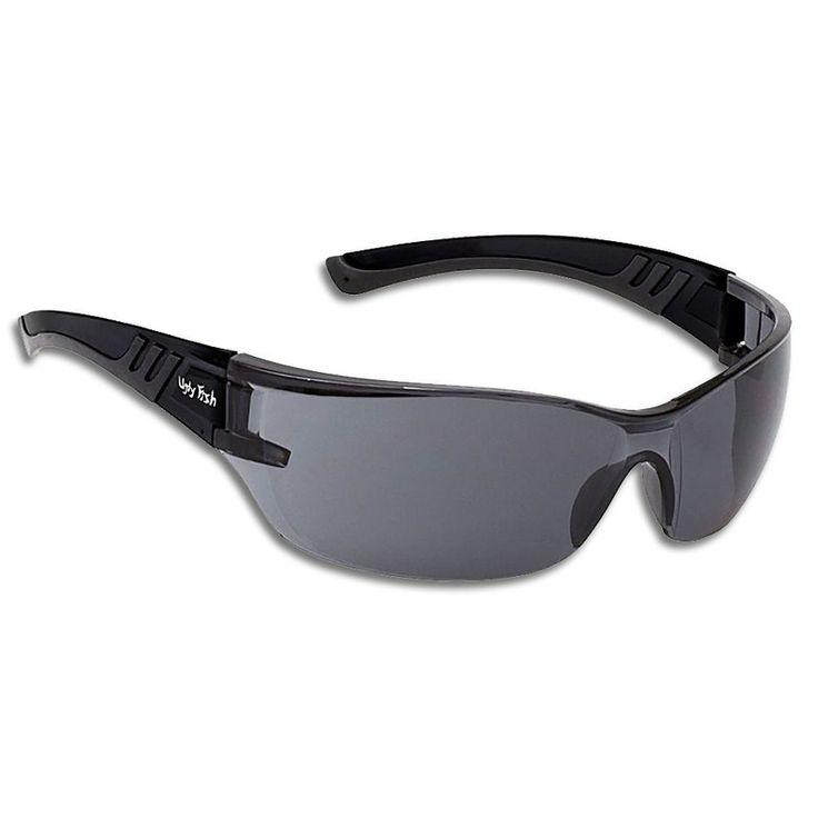 Γυαλιά Ηλίου της Ugly Fish, σκελετός σε ματ μαύρο χρώμα με φιμέ φακούς. Ο σκελετός είναι απο πλαστικό TR-90 με μέγιστη αντίσταση κρούσης, υψηλή ανοχή θερμότητας, ιδιαίτερα εύκαμπτος και ανθεκτικός, ιδιαίτερα ελαφρύς και άνετος για χρήση όλη την ημέρα. Οι φακοί είναι εξαιρετικά ανθεκτικοί με σκληρό επίστρωμα αντι-γρατσουνιών και μέγιστη UV προστασία (Κατηγορία 3). Επίστρωση κατά του θολώματος και στις δύο πλευρές για τη μέγιστη σαφήνεια και όραση ανά πάσα στιγμή.