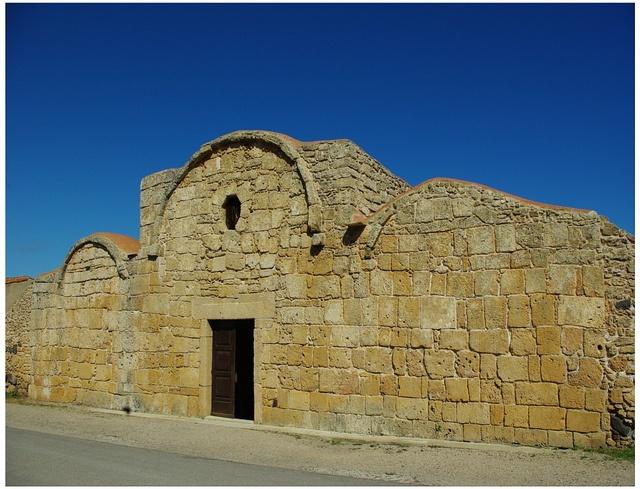 Little old church by fiammetta53, via Flickr