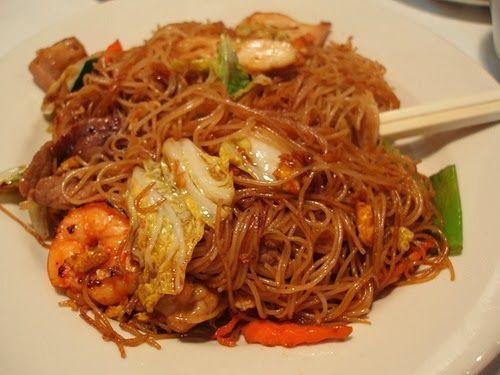 Bihun Goreng (Indonesian fried vermicelli)