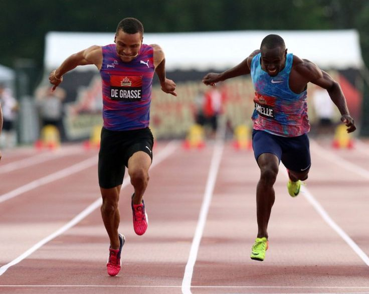 Andre De Grasse wins third straight Canadian title in 100 metres - Andre De Grasse, left, powers over the finish line to win gold in the men's 100 metres race at the Canadian championships. Gavin Smellie, right, was third. July 7, 2017