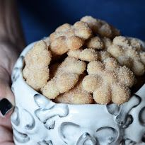 Sterling & Oats: Hojarascas {Mexican Wedding Cookies}