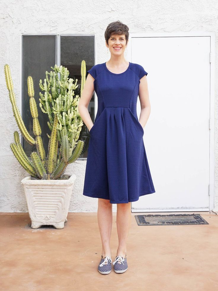 Beth's Zadie dress in textured ponte - sewing pattern by Tilly and the Buttons