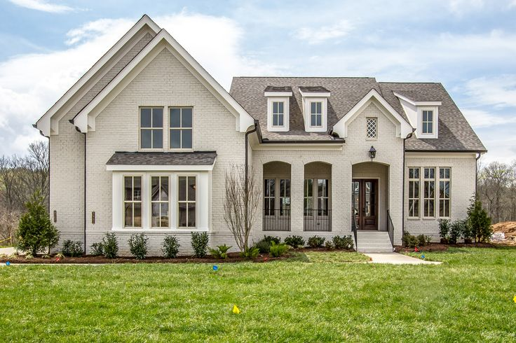 New homes in Thompson Station and Brentwood, TN, new construction home builder for custom homes and custom home design - Tennessee Valley Homes.