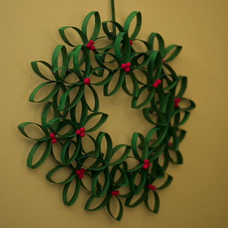 Advent wreath made with toilet paper roll and fimo clay