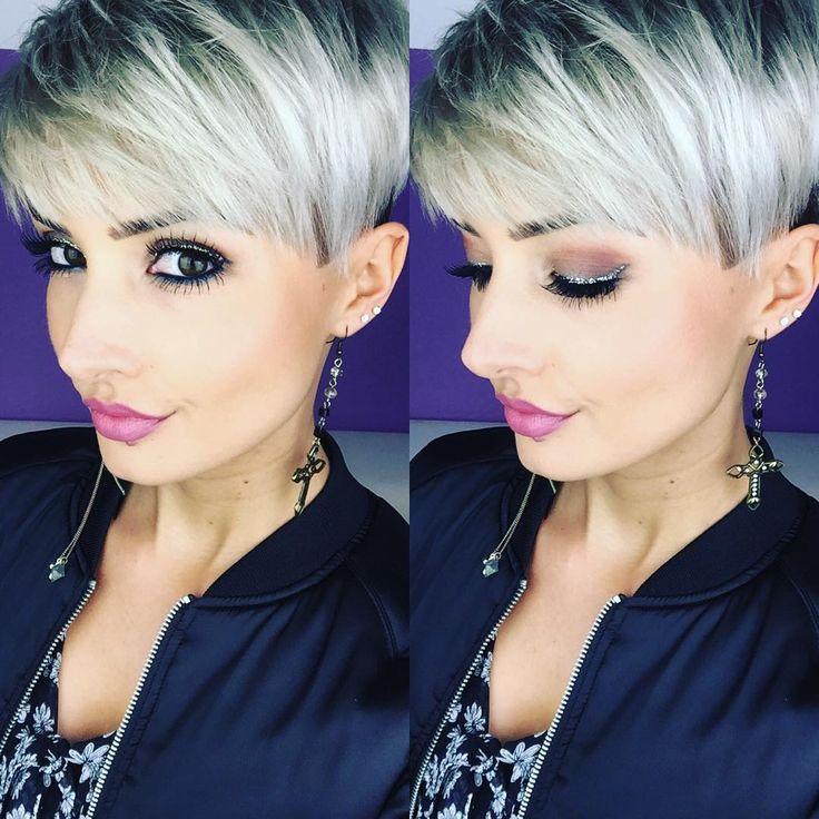 So langsam wird es Zeit für eine neue Haarfarbe  aber habe Moment absolut keine Idee was?  am Donnerstag wird jetzt erst mal wieder geschnitten aber nächsten Monat muss farblich was neues her   #hair #haircut #shorthair #undercut #sidecut #pixie #pixies #pixiecut #blonde #greyhair #color #colorful #beauty #beautiful #beautyqueen #eyes #lips #urbandecay #urbandecaycosmetics #photo #selfie