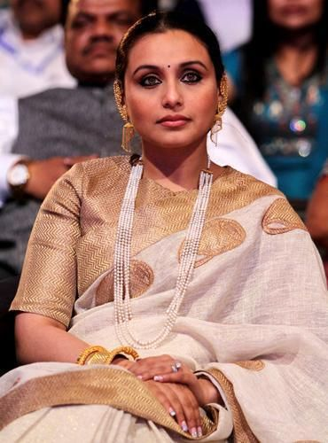 Sarees in textured silk, like raw silk or tussar are a league of their own. <3 Rani Mukherjee in a textured cream banarasi bridal silk saree #indian #wedding
