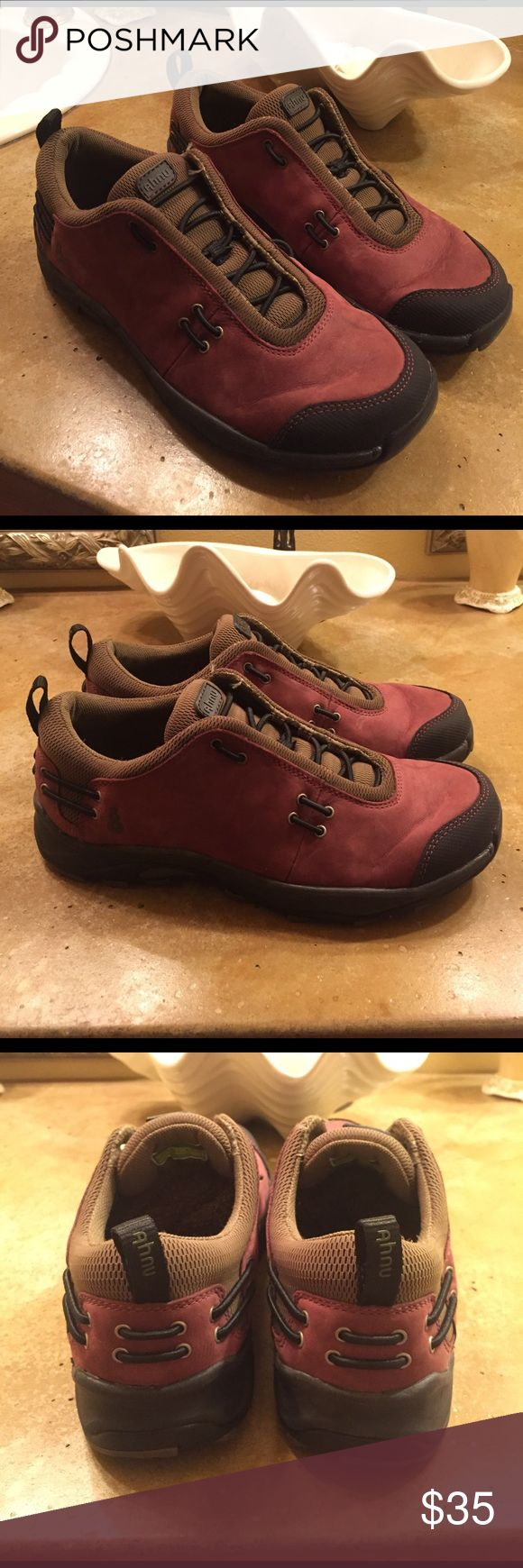 Flash Sale ⚡️Ahnu by Teva hiking shoes 7.5 Ahnu hiking shoes 7 1/2 in a burgundy color leather uppers they are in perfect condition this brand is amazing and they make amazing footbeds with lots of room in the toes so they're perfect for hiking or walking anything you're going to do you will have happy feet Ahnu Shoes Athletic Shoes