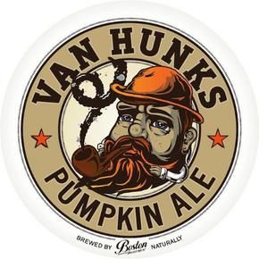 Van Hunks Pumpkin Ale - its the colour of autumn leaves and the first whiff slaps you in the nostrils with obvious autumnal aromas of cinnamon and nutmeg. #BostonBreweries #CraftBeer