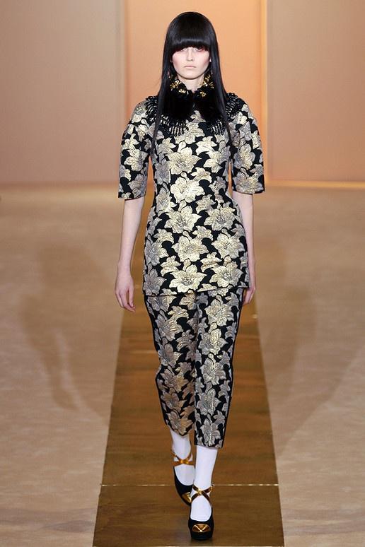 Marni: Asian Influenc, 201213 Highlights, Fall 2012, And 201213, 2012 Runway, Fashion Pictures, Oriental Fashion, Collars Marni, Fur Collars