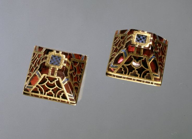 "Sutton Hoo Sword pyramids. They're a set of small (18x12mm) pyramid fittings associated with the Sutton Hoo sword.  Garnet cloisonne in gold, about 600AD. Brian Meek shows how he digitalize the pyramids. ""One advantage of doing a very accurate CAD model is that sometimes, even a digital reproduction can give insight into how the real ones were made. The Sutton Hoo pyramids are a miracle of cryptic stone setting, and they're still holding fast to their secrets after 1400 years in the dirt."""
