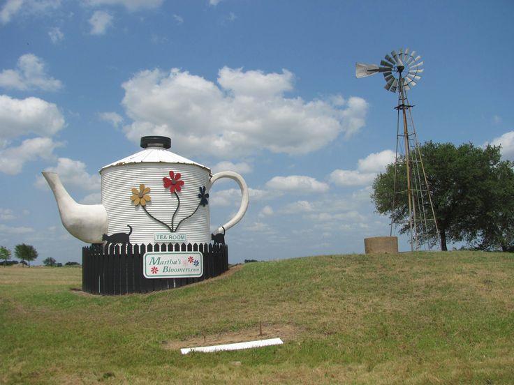 Teapot, Navasota TX | by worldslargestthings