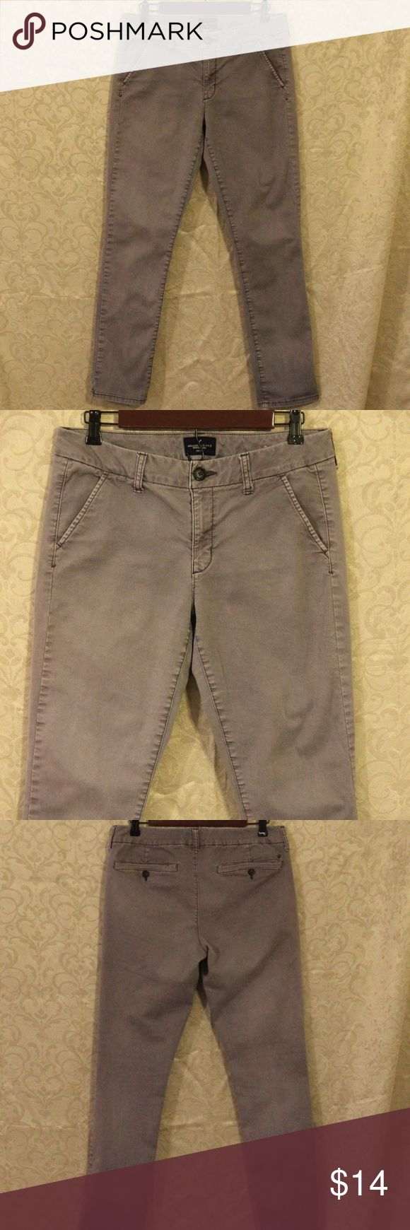 """American Eagle Khaki Pants. Size 10 Inseam: 30""""  American Eagle Outfitters Pants Women Size 10 Skinny Style American Eagle Outfitters Pants Skinny"""