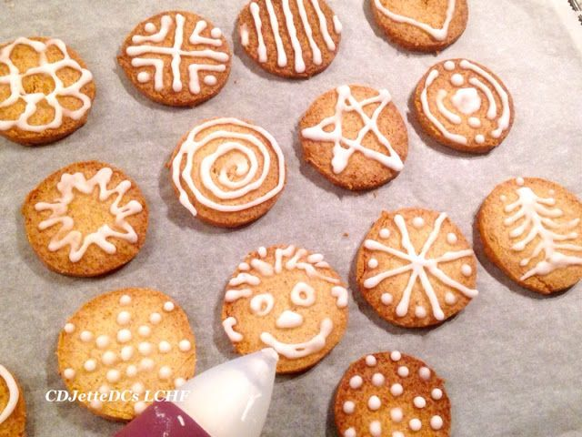 CDJetteDC's LCHF: Sukkerfri Royal Icing glasur med æggehvide. Brug den f.eks. til julesmåkagerne, kransekagen, kanelsneglene og fastelavnsbollerne.