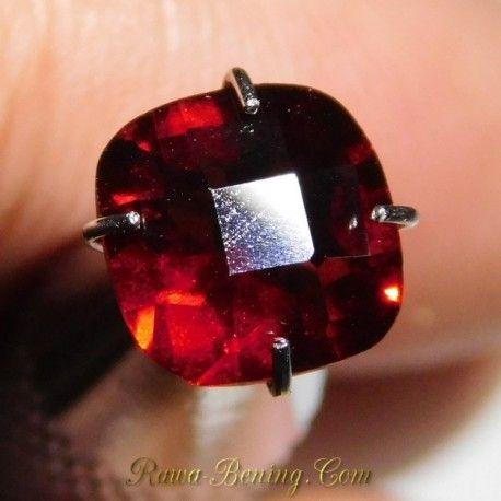 Permata Garnet Pyrope 1.59 Carat untuk Perhiasan Exclusive