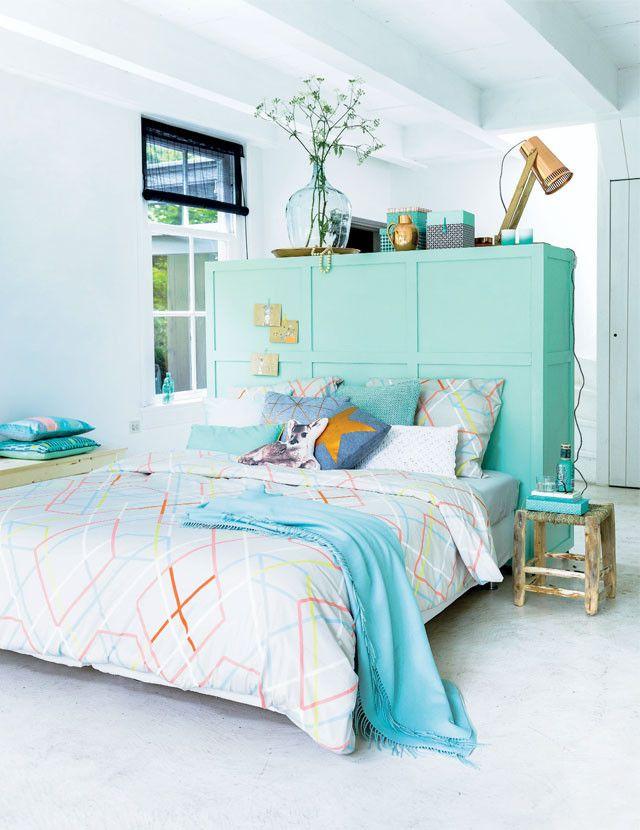 Met deze kast verdeel je je slaapkamer heel makkelijk in een kleed- en slaapgedeelte.