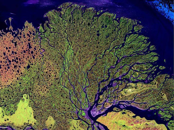 Dall'aurora boreale alla tempesta sull'Oceano:ecco nuove emozionanti immagini della terra così come la vedono gli astronauti della stazione spaziale internazionale della Nasa, in viaggio nel 2016 nello spazio attorno al nostro pianeta. ln questa immagine il deserto di Atacama, in Chile (Olycom)