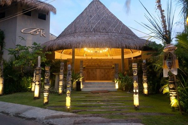 Stay at the Seminyak hotels and enjoy life king size. We have 9 magnificent spacious, luxury and romantic villas and suites offering 1 to 4 bedrooms accommodations in the heart of Seminyak near Legian and beach.