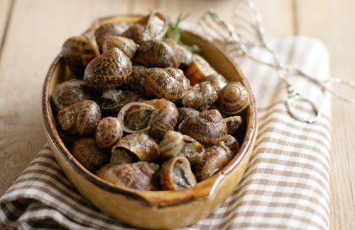 Snails in the Skillet with Olive Oil, Vinegar and Rosemary (Hohlioi Boubouristoi)