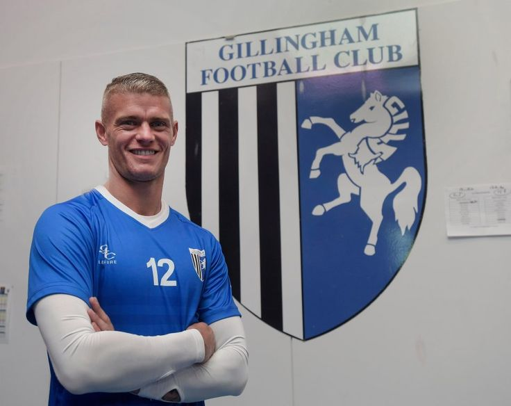 Ex-England and Liverpool defender Paul Konchesky set to sign for non-league minnows Billericay Town