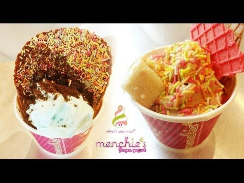 Our Foodistani tried the lipsmacking #Cheesecake and #Nutella, #TiramisuYogurt and a variety of other frozen #yogurts at #Menchies in Khar!