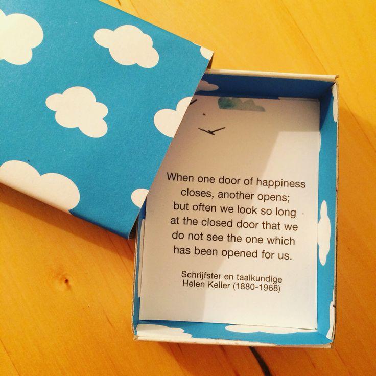 Sterkte wensen per post in een luciferdoosje