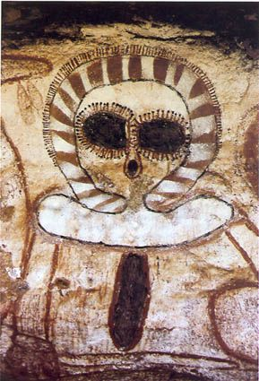 """The Australian Aboriginal Dreamtime """"Wandjina"""" from the Kimberley region is a sacred """"creator."""" The rings around the head """"represent clouds and lightning."""" The line between the large """"eyes"""" is not a nose and """"indicates where the power flows down."""" The """"Creator Wandjina"""" created """"only through his voice, with power."""" Photo: Jutta Malnic."""