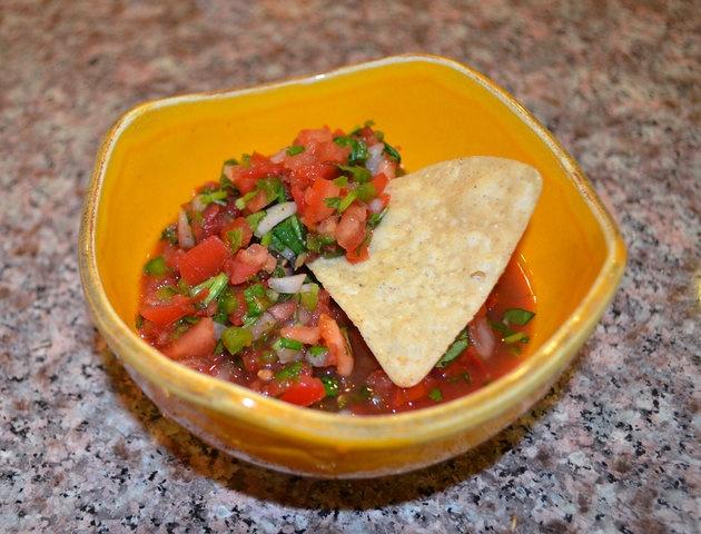 Сырая помидорная сальса - Salsa Cruda