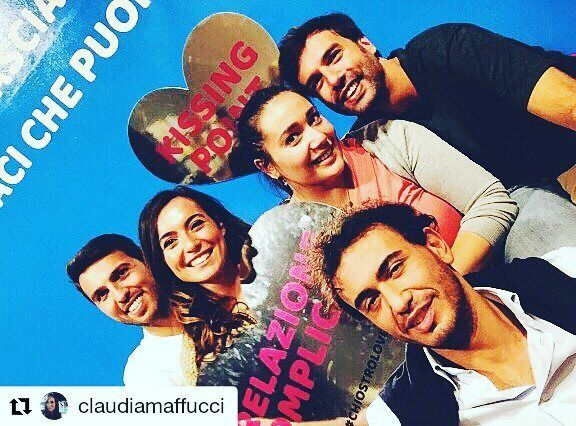 #chiostrolove #Repost @claudiamaffucci & friends   Relazioni Complicate  #chiostrolove #relazionicomplicate #friends #funny #goodvibes #happymoment #chiostrodebramante