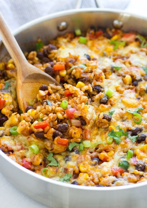 One Skillet Mexican Rice Casserole- an easy dinner recipe with almost zero clean up! (gluten-free and vegetarian)