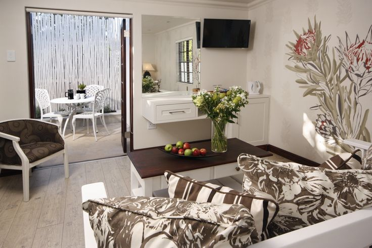 Deluxe rooms have an outside private area for cosy romantic evenings! ;)