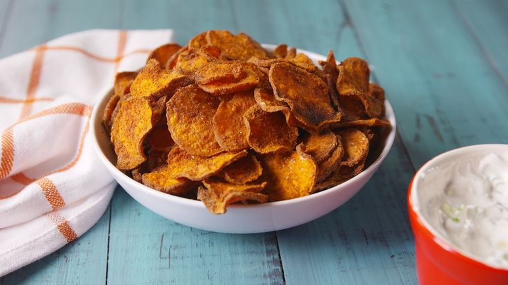 Sweet Potato Chips: Baked Sweet Potato Chips are a healthy snack you'll actually crave..happy snacking!