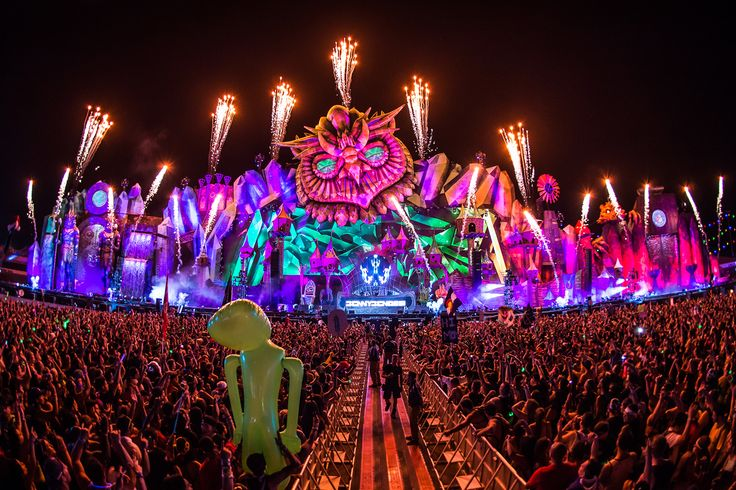 Electric Daisy Carnival Las Vegas 2016 17 - 19 June 2016 Las Vegas, Nevada EDM lovers can start planning their trips to Las Vegas for this summer, because tickets to the Electric Daisy Carnival Las Vegas 2016 are officially on sale. Electric Daisy Carnival, or EDC as it is commonly known, is one of the single most explosive electronic music festivals in the world. For three whole days, EDM lovers flock to Las Vegas to partake in a non-stop party filled with some of the h