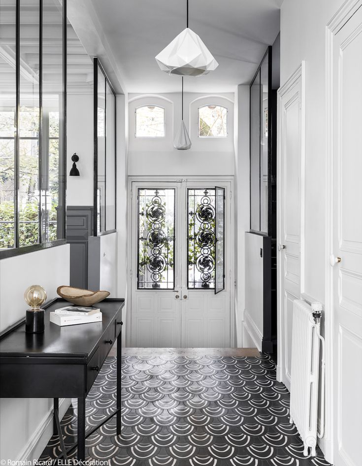 686 best Entree images on Pinterest Door entry, Hall and Hallways - deco peinture entree couloir
