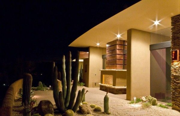 Amazing Cactus Gardening at Modern House Design Ideas by Sefcovic Residence in Arizona 600x387 Modern House Design Ideas by Sefcovic Residence in Arizona