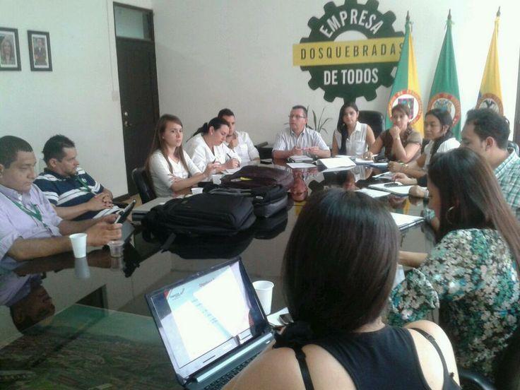 Socialización para implementar el proyecto easyBoard© en las instituciones educativas del municipio de Dosquebradas y así aportar un grano de arena a la educación. :D