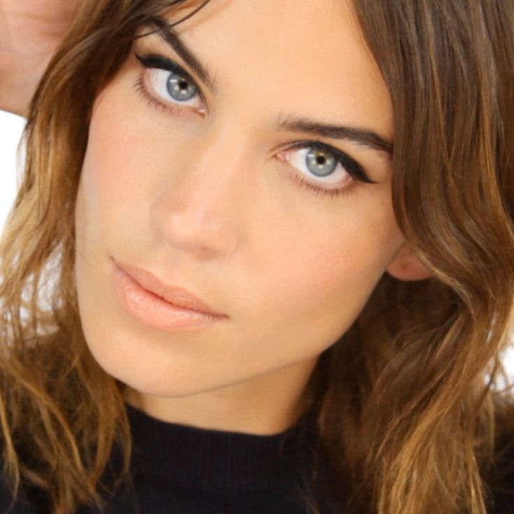 Lisa Eldridge Shows You How To Do Alexa Chung's Signature Make-Up Look (And It's Dead Easy)