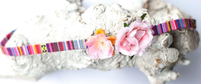 Aztec hoofdbandje roze met flowers - Hip en Haar https://www.hipenhaar.nl/haaraccessoire/aztec-hoofdbandje-roze-me #aztechoofdbandjes #festivalbandjes #ibizastyle #hippiehoofdbandjes