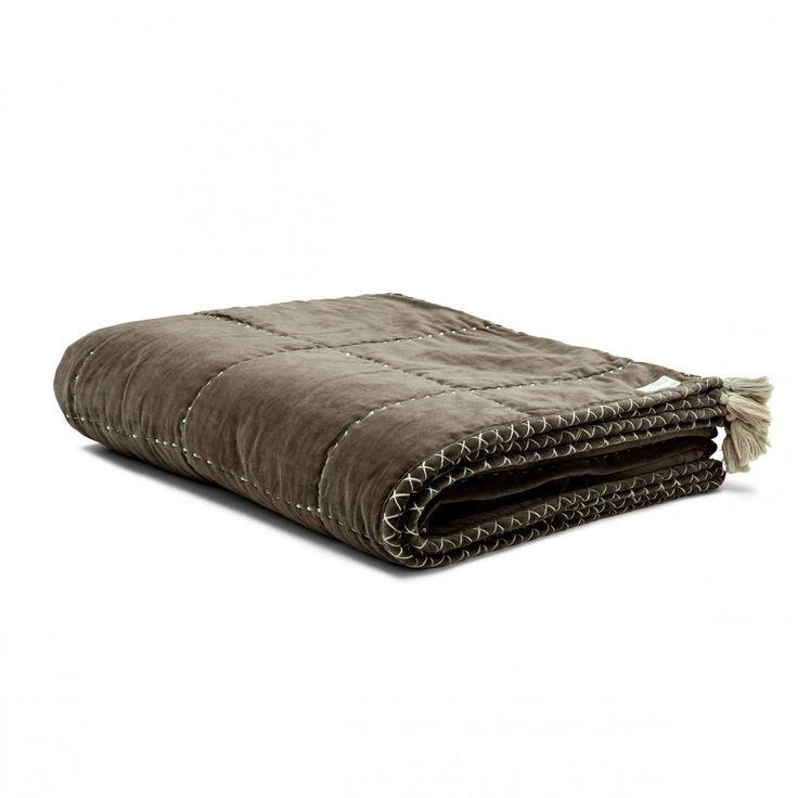 on top double bedspread FALCON