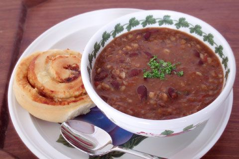 Hearty beef and bean soup | Rainbow Cooking