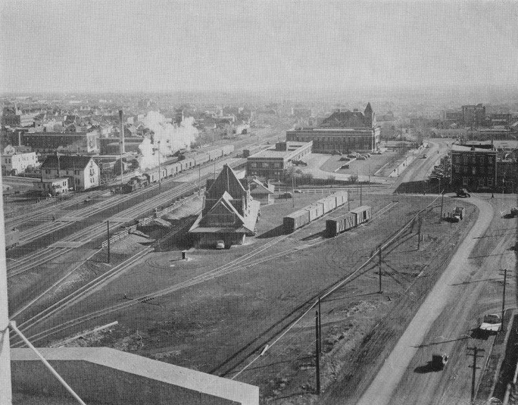 CNR Station, 104 Avenue, where 101 Street used to go under the tracks.  1920.  Image Courtesy of Vintage Edmonton   https://www.facebook.com/TheVintageEdmonton