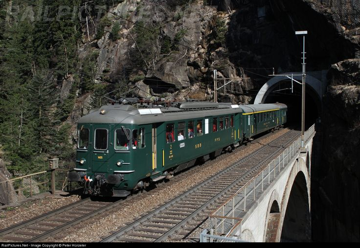 Spectacular is the upper Meienreuss-bridge on the Gotthard line. Out of the tunnel directly onto the bridge and then seconds later in the next tunnel. Here the historic RBe 4/4 1405 is shooting out of the tunnel.