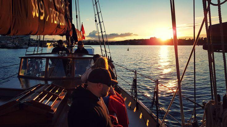 3 Hour Sail Evening Harbour Cruise (Victoria BC Canada) #3hoursail #sail #harbourcruise #travel #sunset #naturephotography #wanderlust