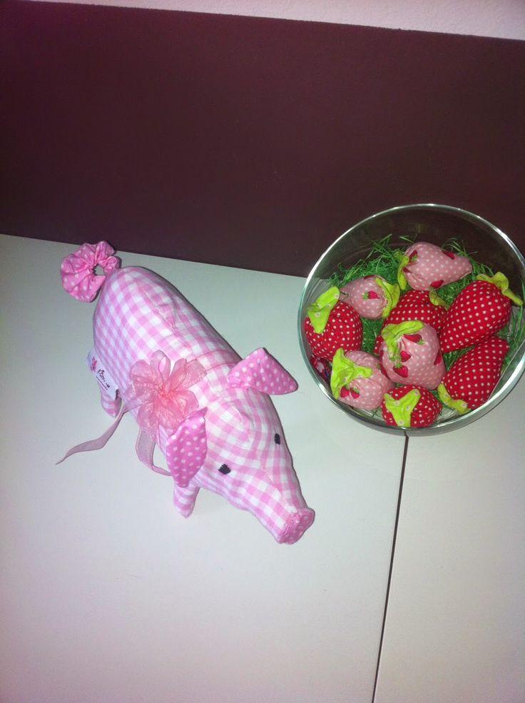 Ist dieses niedliche, kleine Glücksschweinchen nicht süß??? Die Schnittvorlage u...