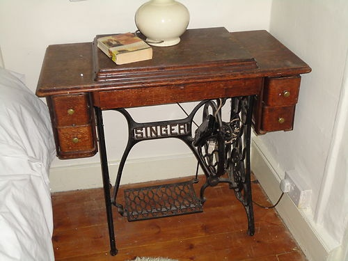 Vintage antique singer sewing machine cast iron base ...