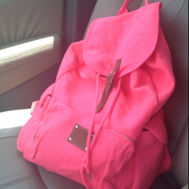 Victoria secret pink ultra neon pink bookbag:)..idc if im not in school. i'd totally rock this.